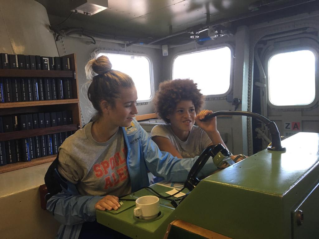 Lynn en Zara voeren het commando!