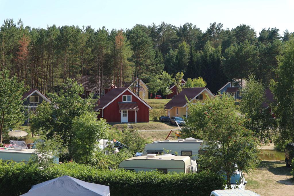 In het achterste, nieuwere gedeelte zijn de kampeerplekken ruimer.