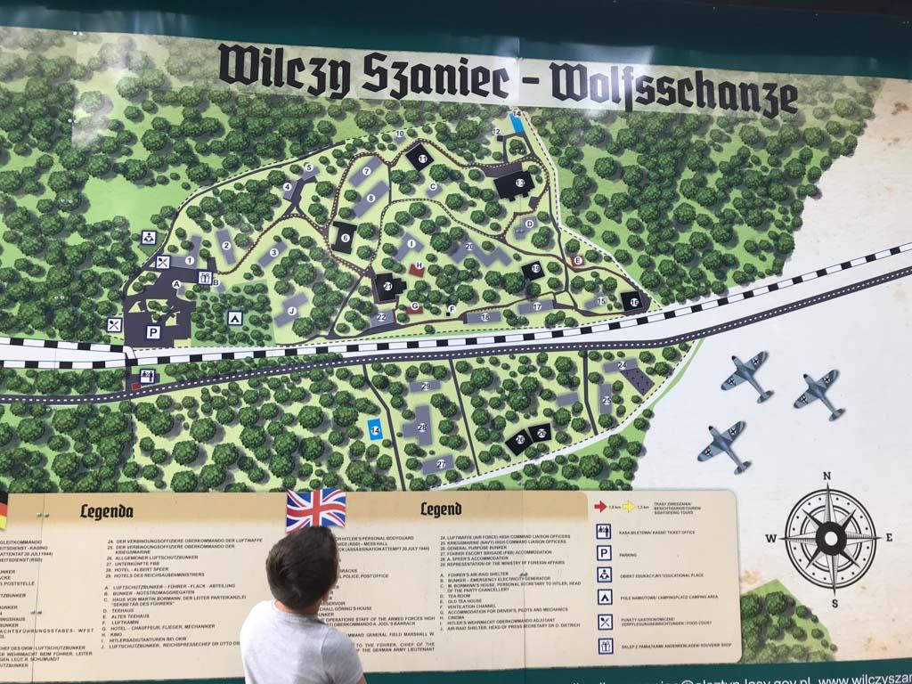 Plattegrond van Wolfsschanze. Wij kiezen voor de langste wandelroute.