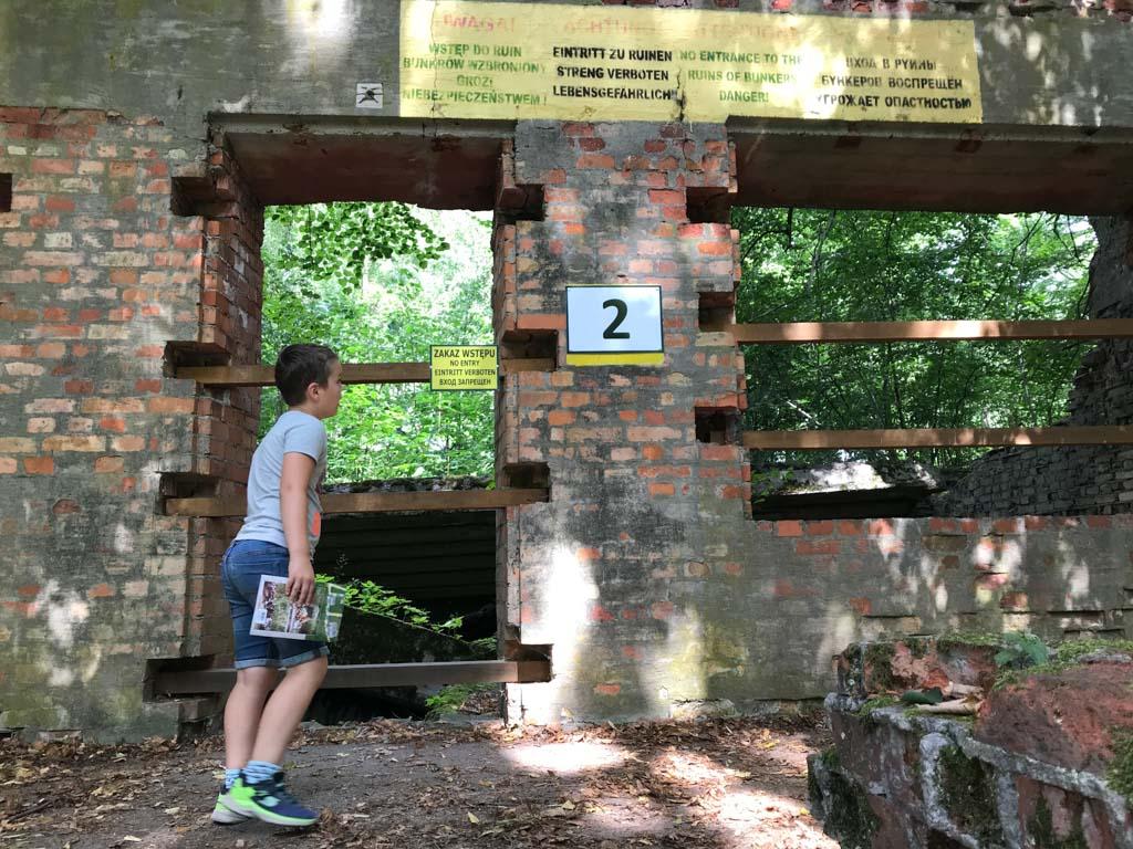 Elke ruine is voorzien van een nummer. Zo kunnen we makkelijk zien waarvoor het gebouw werd gebruikt.