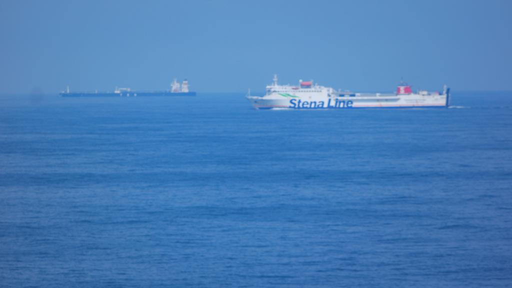 Onderweg zien we in de verte een andere boot van Stena Line.