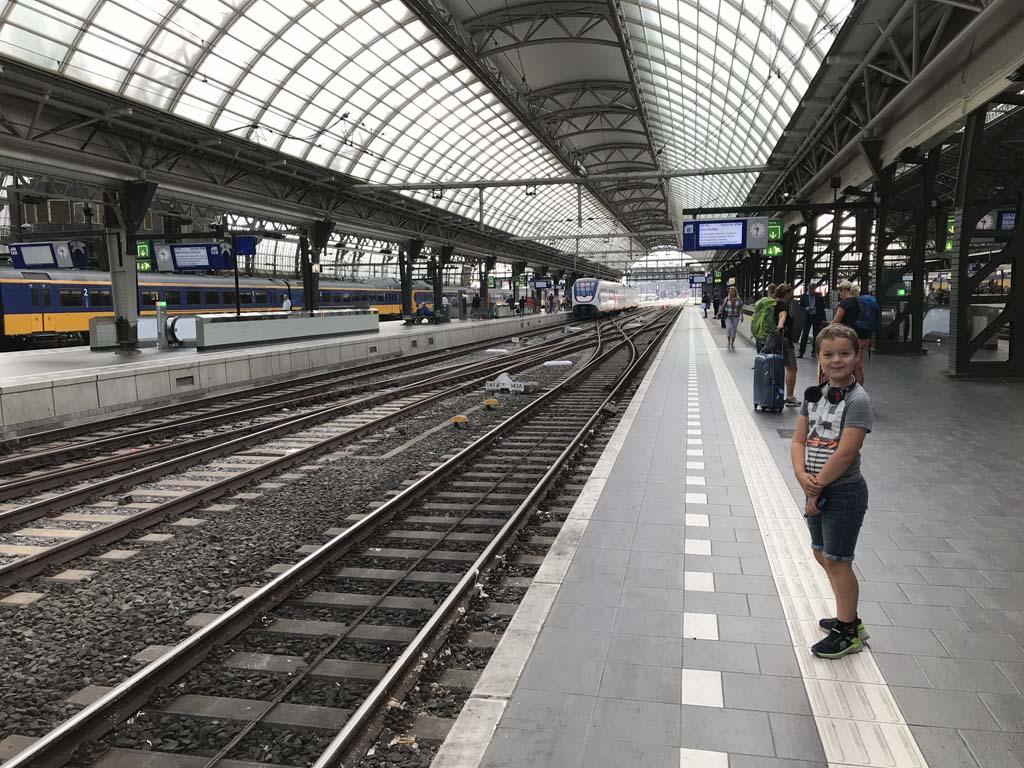 Onze overstap in Amsterdam.