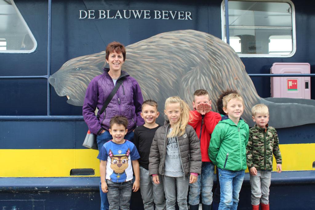 Samen met neefjes en nichtjes varen Koen (7 jaar) en Tijmen (5 jaar) mee op safarischip De Blauwe Bever.