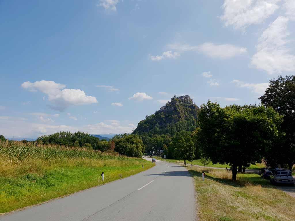 Daar gaan we naar toe, Burg Hochosterwitz, boven op de berg de-leukste-kinderactiviteiten-in-karinthie