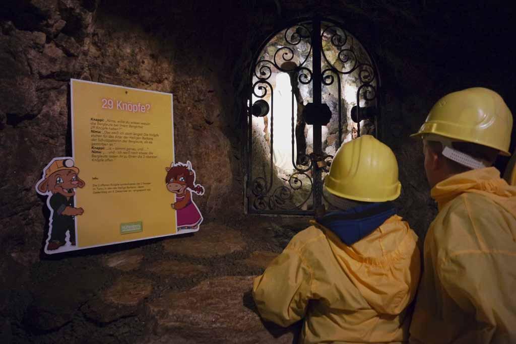 Heilige Barbara, de beschermheilige van de mijnen, waakt hier over de mineralen