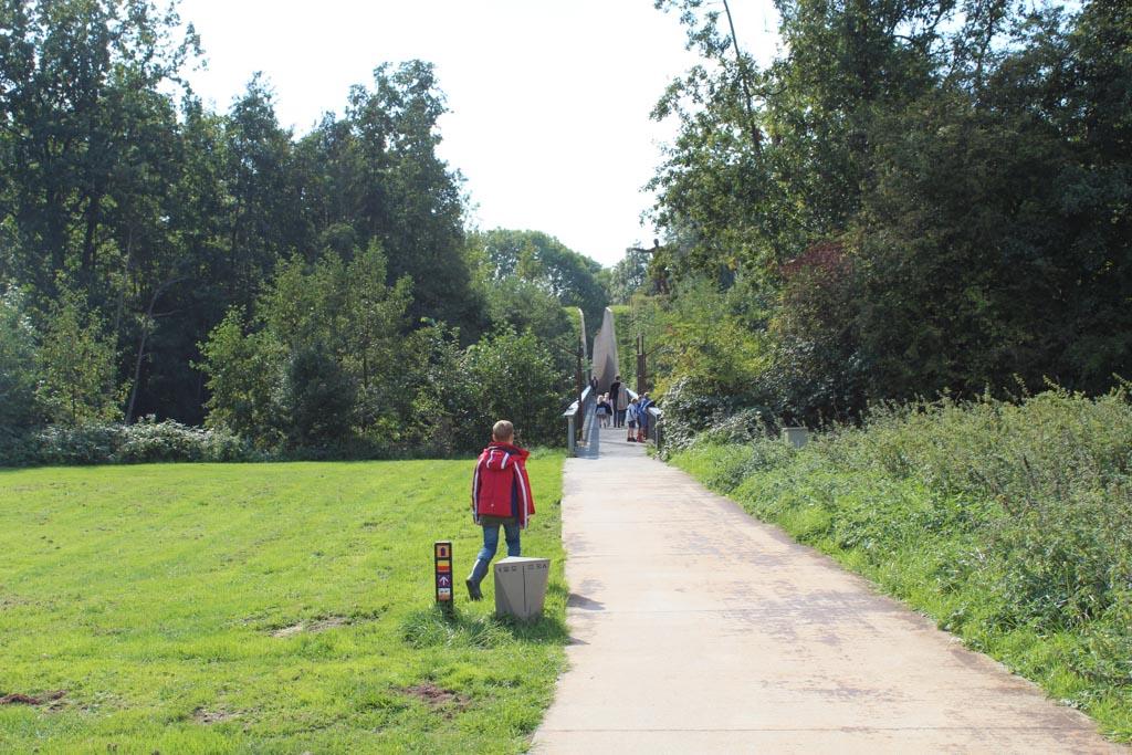 Wij starten het Slagmaatpad op de parkeerplaats bij Fort bij Vechten. De route gaat door het fort.