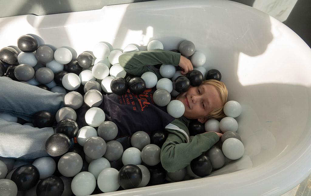 Hoe is het om te verdwijnen onder alle ballen?