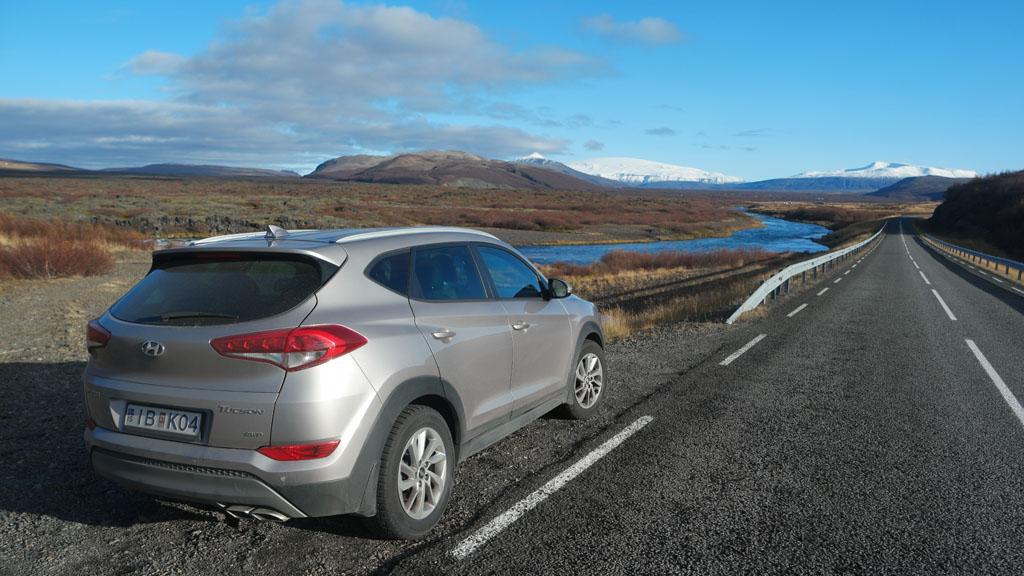 De ringweg is goed in IJsland, maar veel secundaire wegen hebben hobbels en gaten.