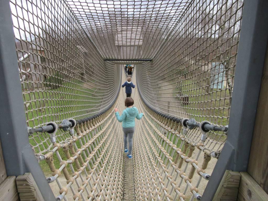 Wat een hangbrug in Park Chlorophylle