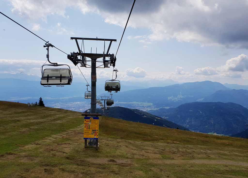 Met de Gerlitzen Gipfelbahn gaan we weer naar beneden. Het uitzicht is top! leukste-kabelbanen-in-karinthie-21