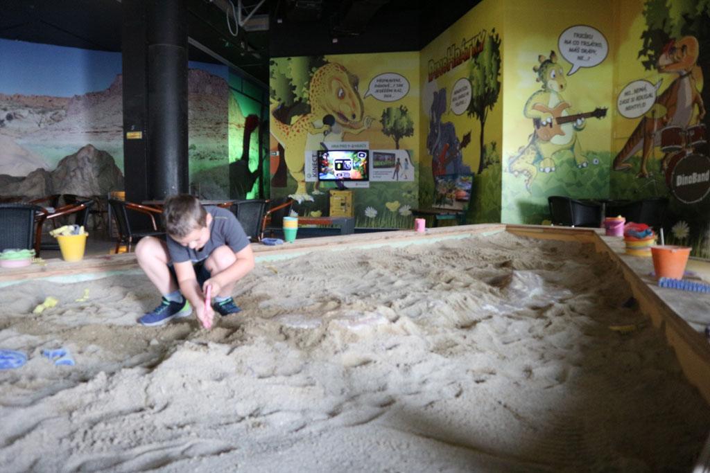 Zelf dinobotten uitgraven.