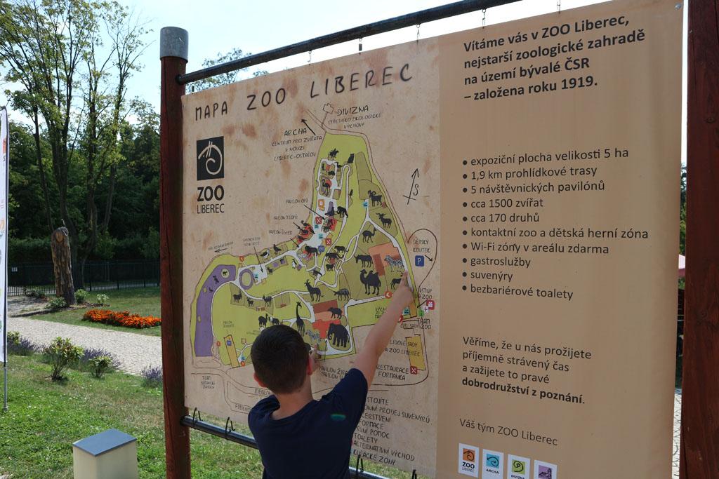 De route door Liberec Zoo uitstippelen.