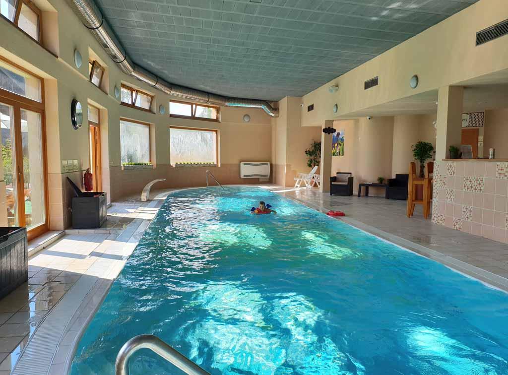 Een heerlijk zwembad om elke dag even een duik in te nemen