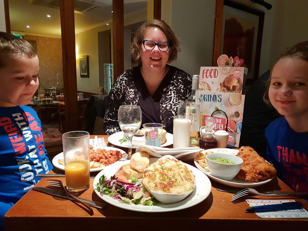 's Avonds eten we erg lekker op een kleine 10 minuten lopen vanaf het hotel.