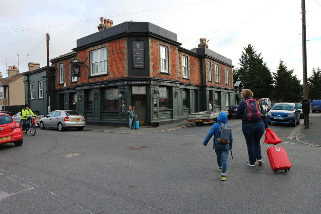 Fryatt Hotel & Bar ligt op loopafstand van het station en de internationale haven van Harwich.