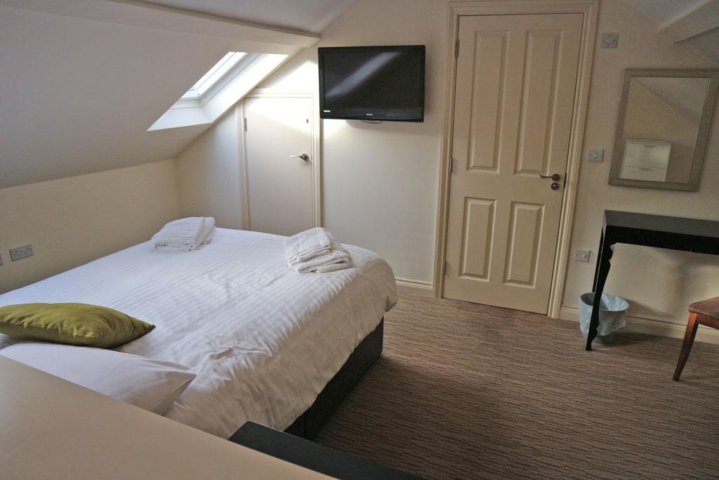Een van de twee slaapkamers. Er zijn zelfs twee badkamers bij!