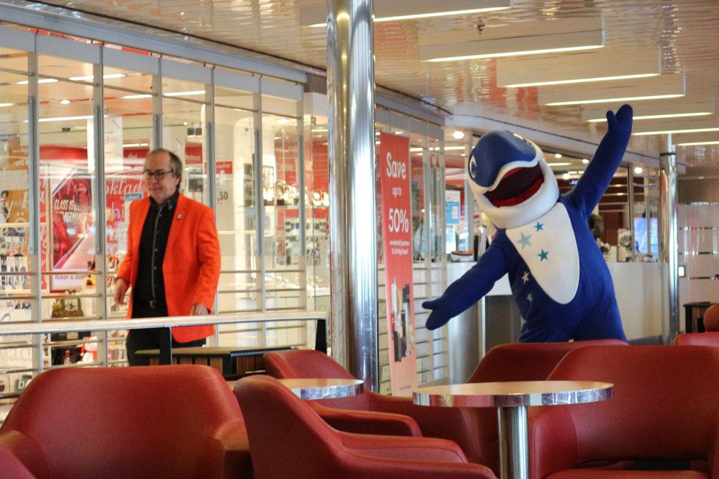 Haai! Daar is de mascotte van Stena Line.