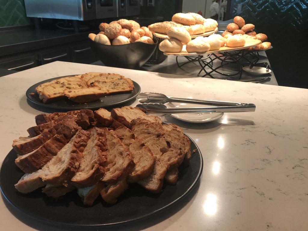 ontbijtbuffet van der valk Leeuwarden