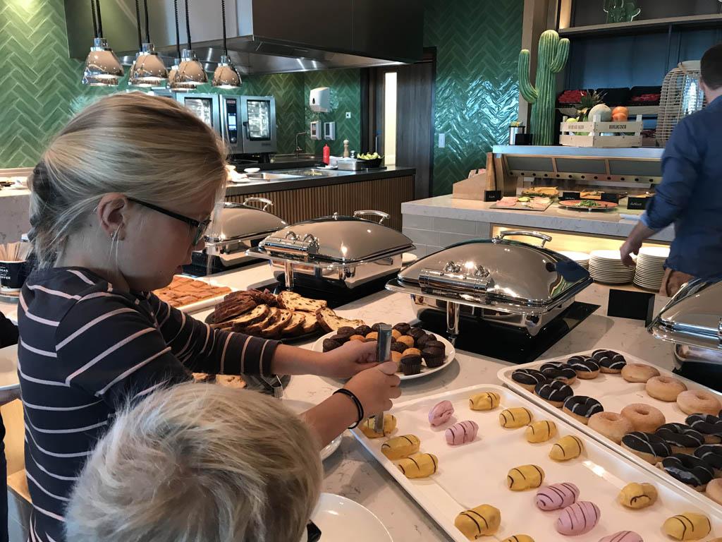 ontbijtbuffet van der valk hotel Leeuwarden