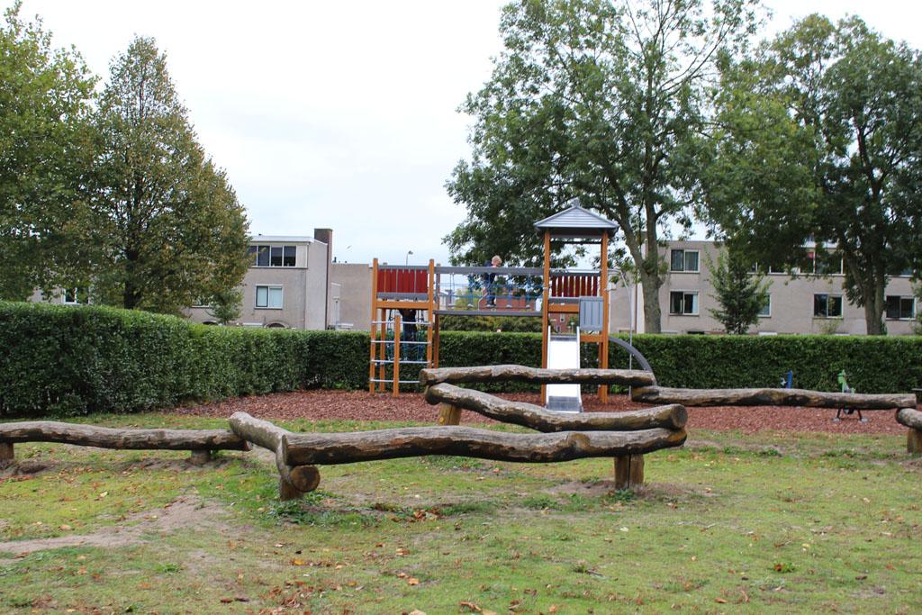 We vermaken ons nog even in de speeltuin tegenover Animal Farm. Bij mooi weer is het park ook heel geschikt voor een picknick.