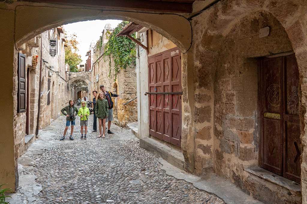 Tijdens een vakantie in Rhodos met kinderen is de oude hoofdstad een aanrader