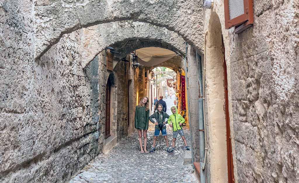 De middeleeuwse binnenstad is bijzonder om doorheen te lopen