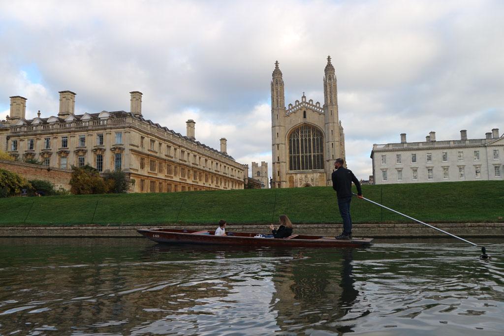 Beroemd plaatje: King's College met een punter ervoor.