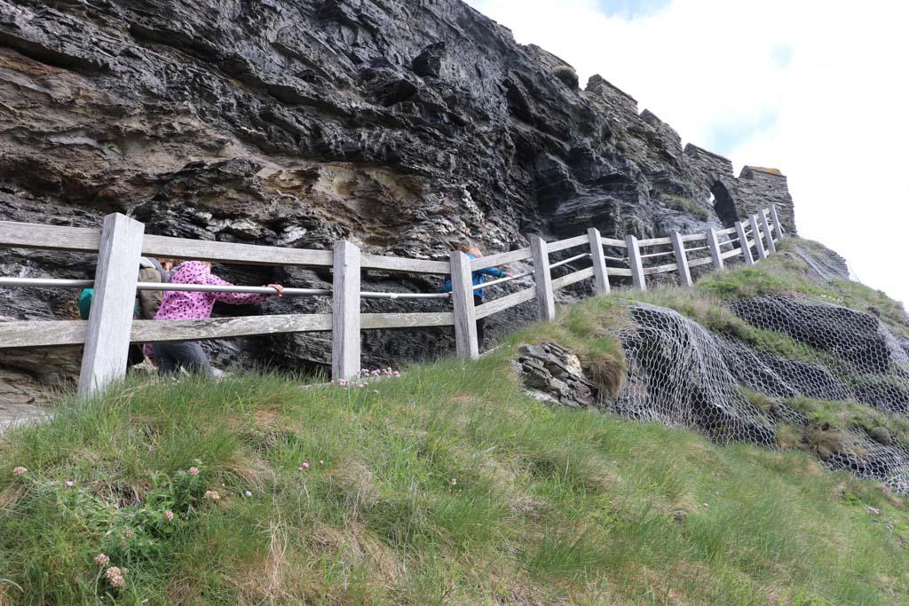 Going up naar Tintagel Castle