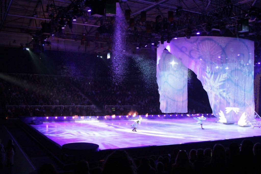 Het spectaculaire ijskasteel van Elsa uit Frozen.