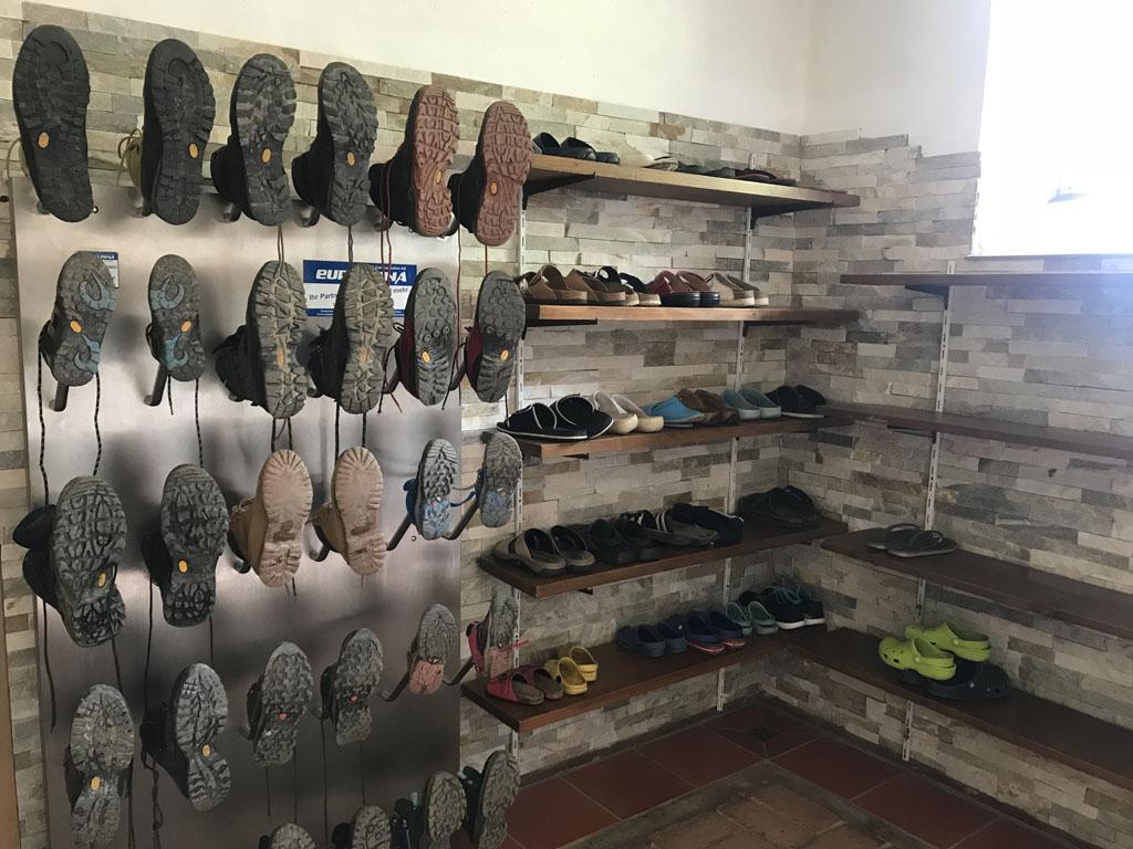 huttentocht met kinderen schoenen