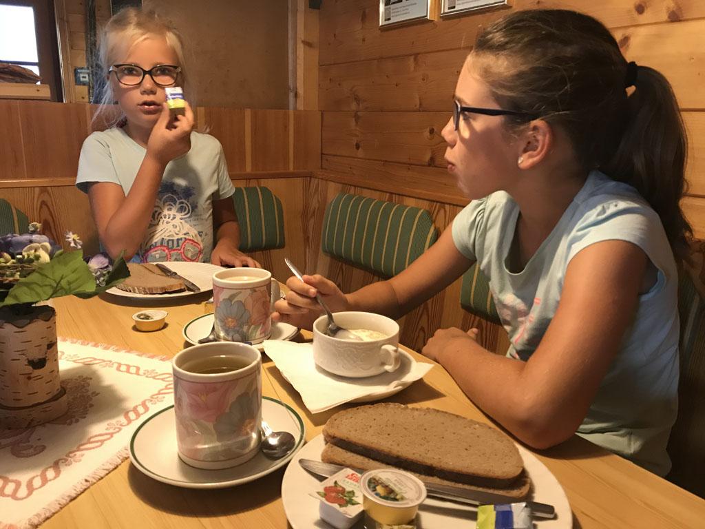 huttentocht met kinderen ontbijt