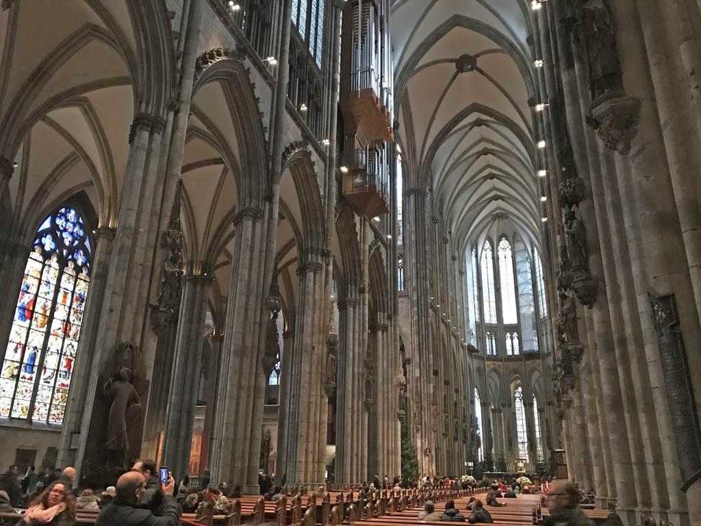 Kijk zeker even in de kathedraal.