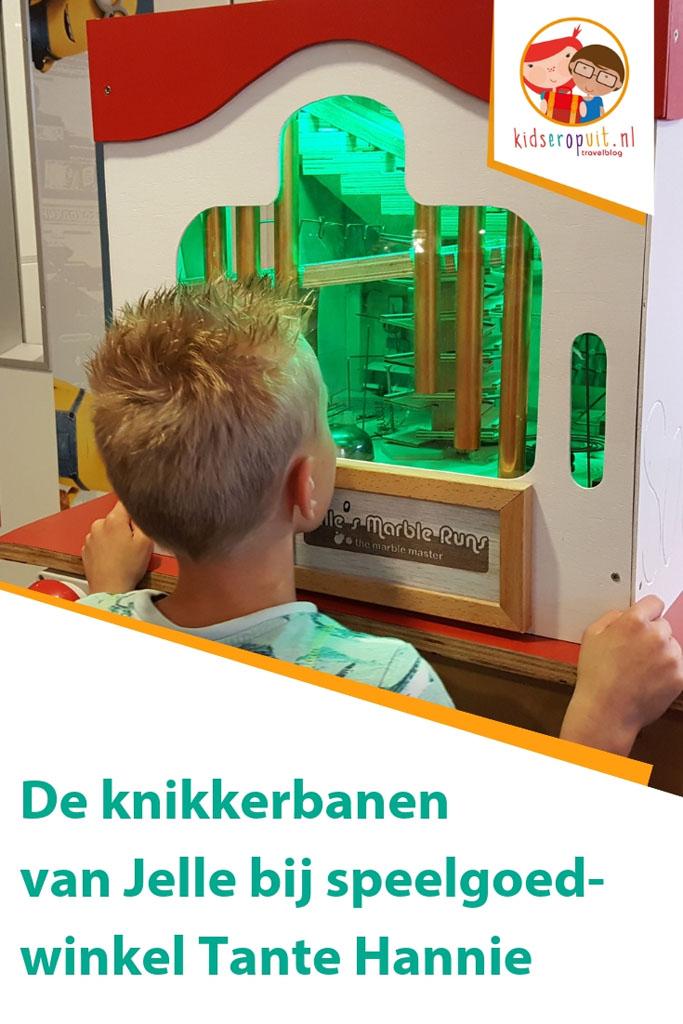 De knikkerbanen van Jelle bij Tante Hannie in Nijmegen.