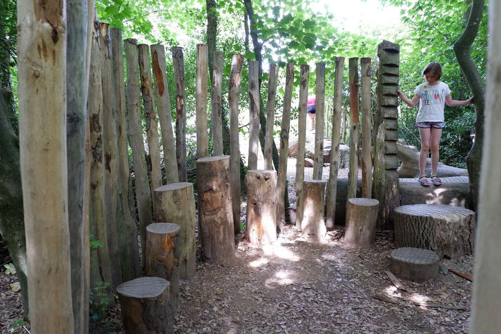 Er zijn verschillende speelplekken ingericht in The Lost Gardens of Heligan