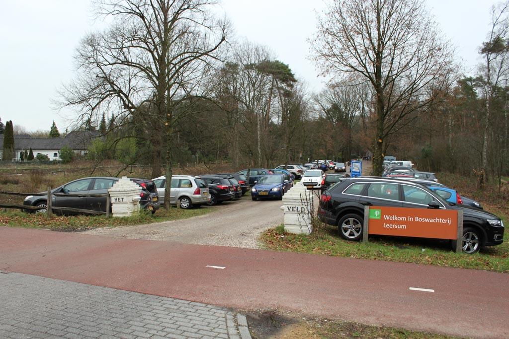 De parkeerplaats aan de Maarsbergseweg in Leersum.