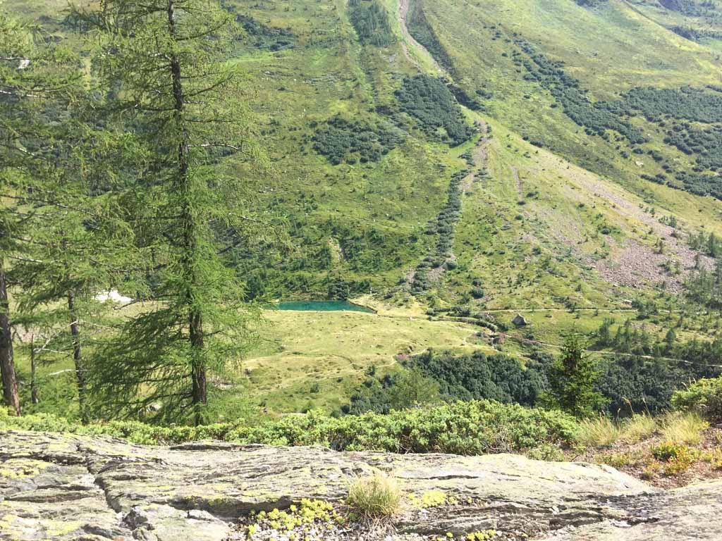 Aan de andere kant zien we de Grundsee weer liggen, waar we op de heenweg langskwamen.