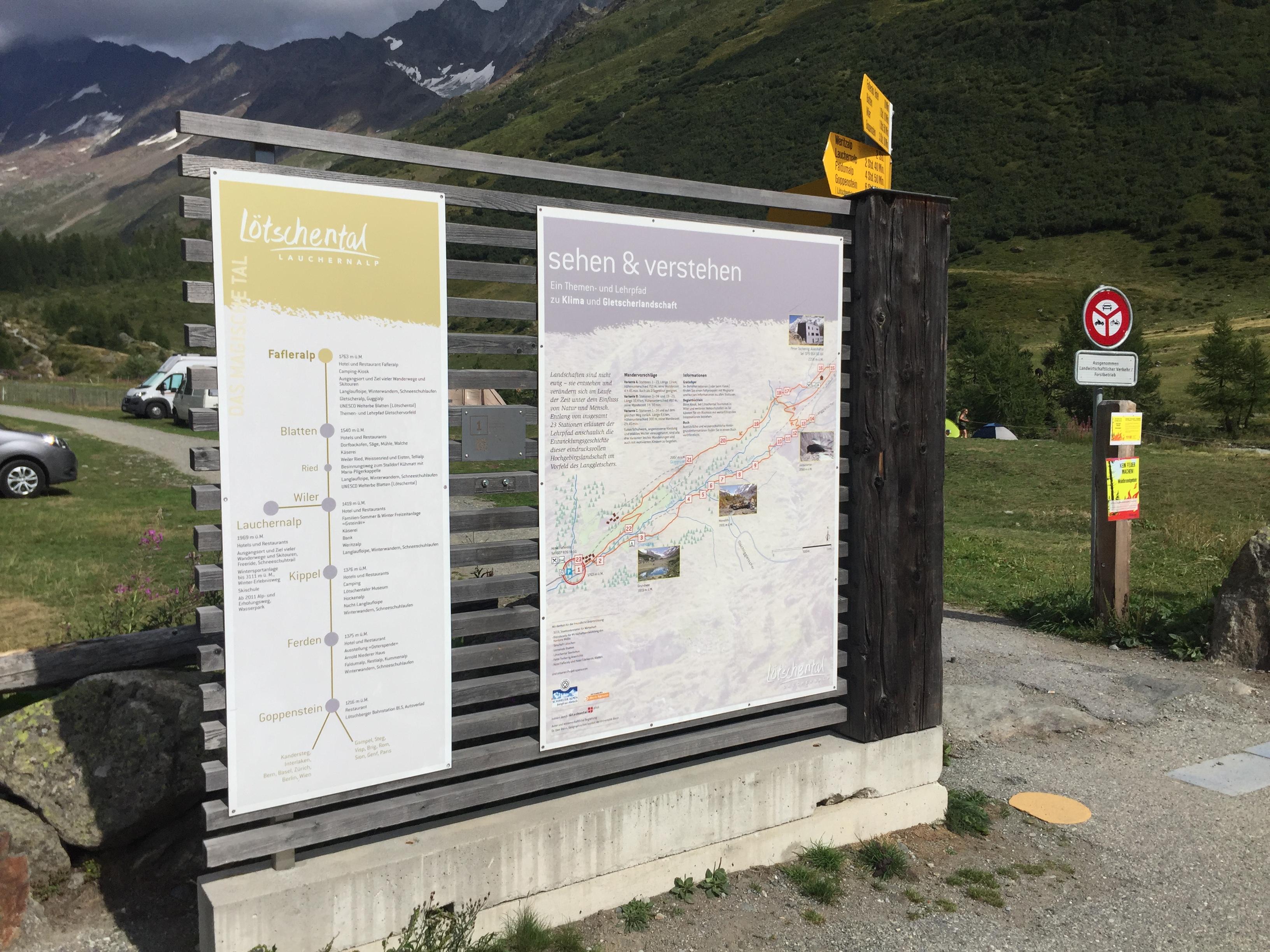Bij de parkeerplaats van de Fafleralp is een informatiebord waarop de rondwandeling duidelijk staat aangegeven.