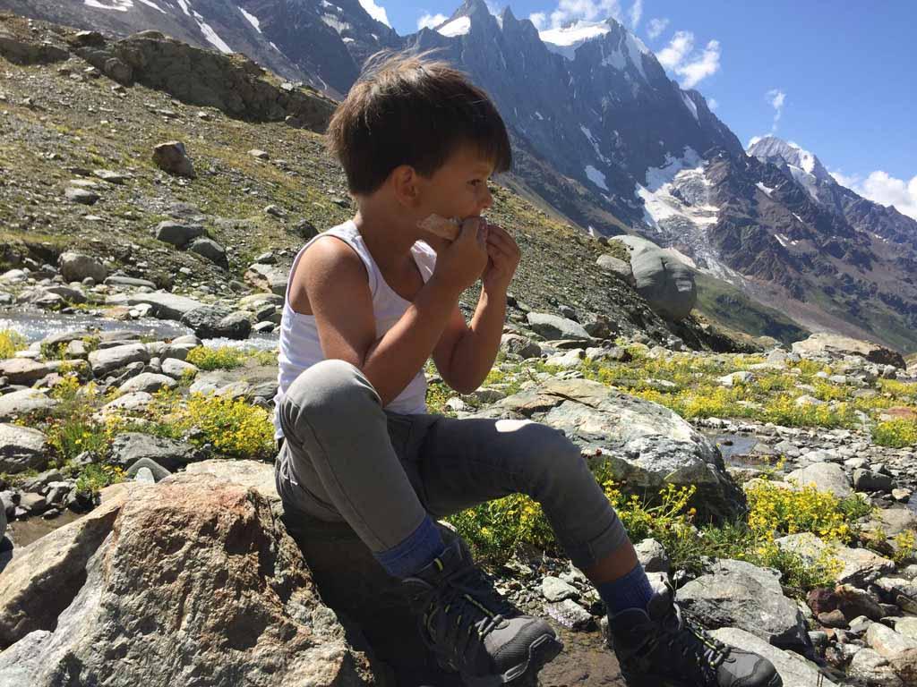 Nog even een broodje eten voordat we naar de Anenhütte gaan klimmen.