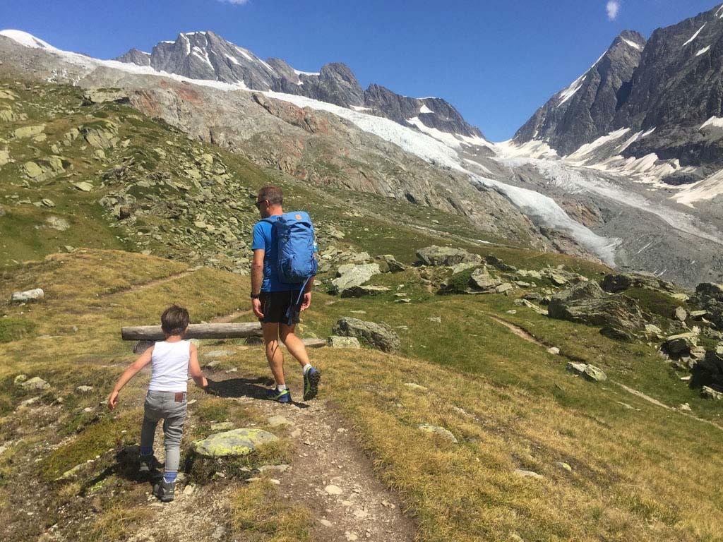 Vlakbij de Anenhütte lopen we naar een klein bergmeertje.
