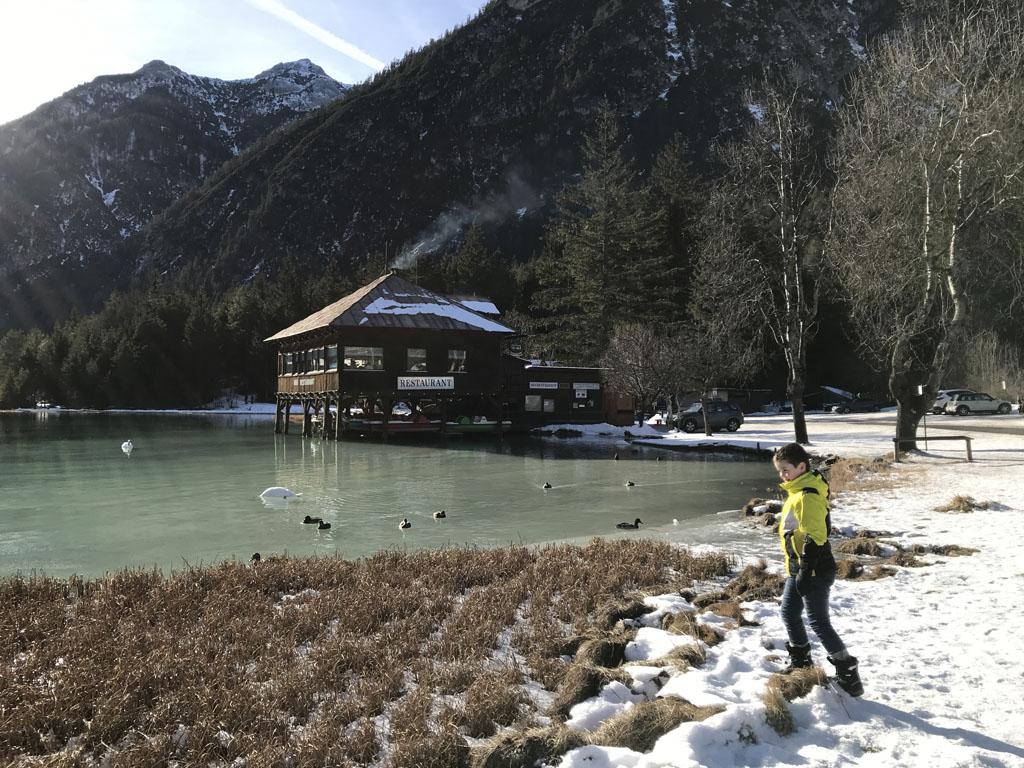 We nemen een kijkje bij de Toblacher See tijdens de tweede stop.