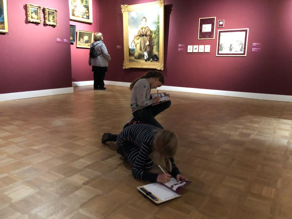 Zoeken naar voorwerpen in de schilderijen