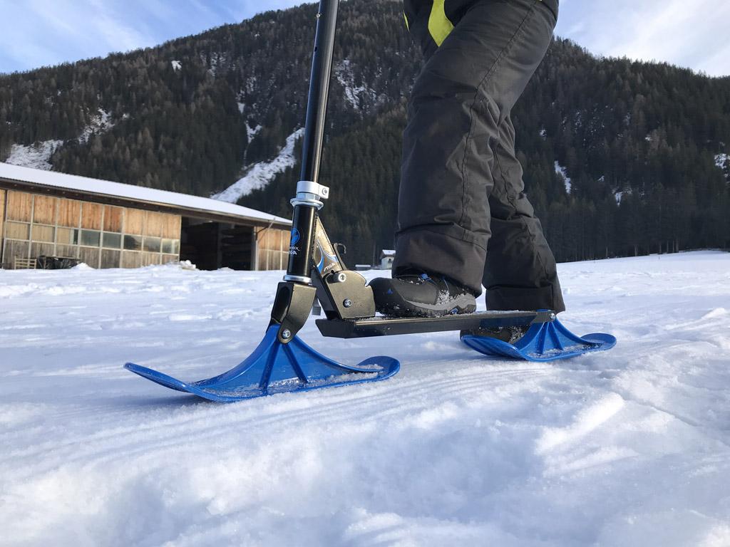 De 'Side Kick' glijdt soepel over de sneeuw.
