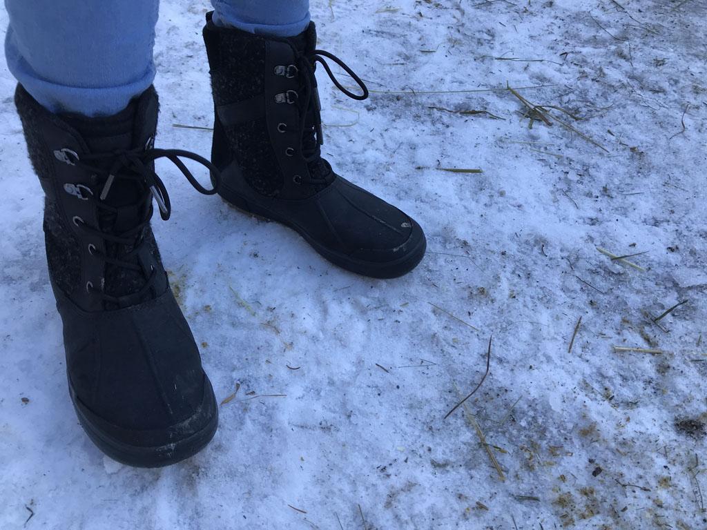 De sneeuwlaarzen van mijn dochter en mij.