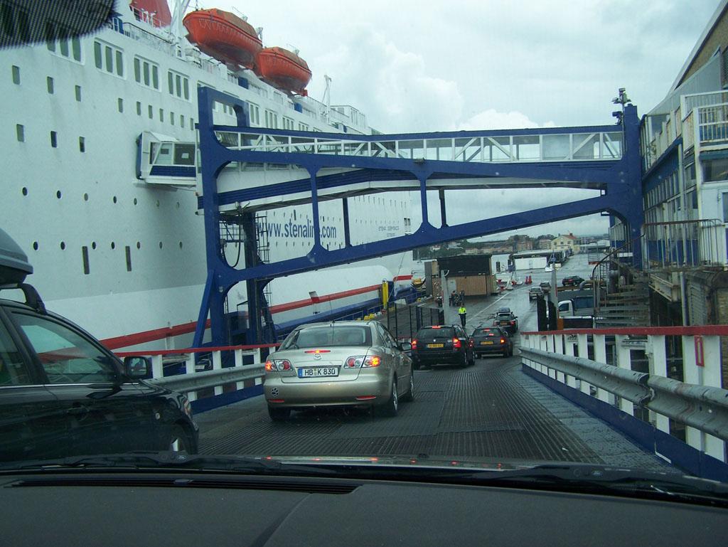 We kunnen pas weer bij de auto als het tijd is om het schip te verlaten.