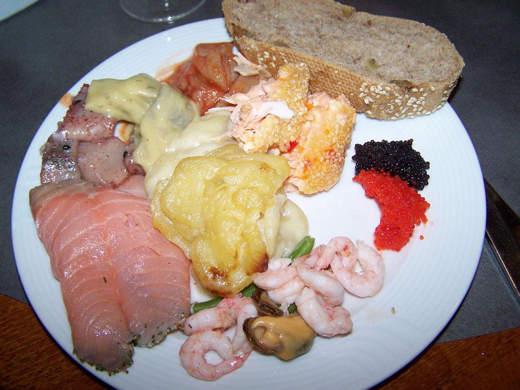 Geen perfect food-plaatje, maar de visliefhebbers zullen snappen dat het buffet fantastisch is.