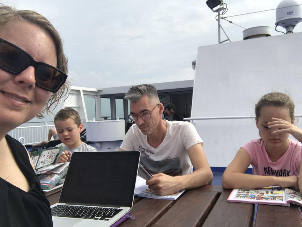 Ook als er minder faciliteiten op een ferry van Stena Line zijn vermaken we ons prima.