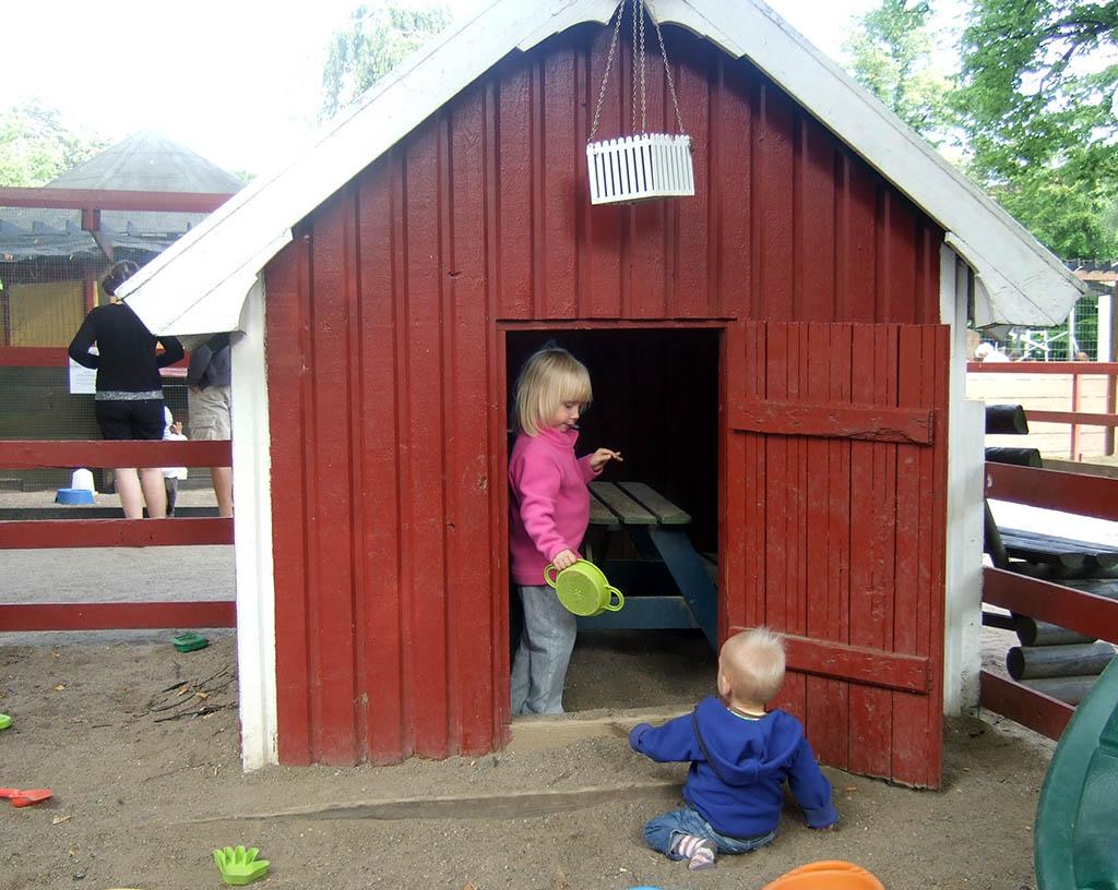 In het stadspark van Malmö zijn leuke speeltuinen en een kinderboerderij
