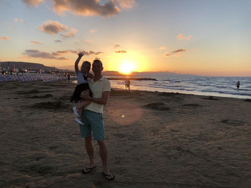 Hier vliegen we heen, wat is Kreta met kinderen een heerlijke vakantiebestemming.