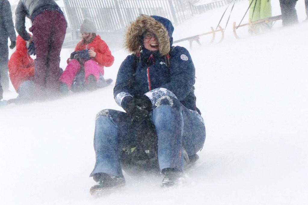 Hier kun je in de winter en in de zomer rodelen op echte sneeuw (foto: Melissa van Reislegende)