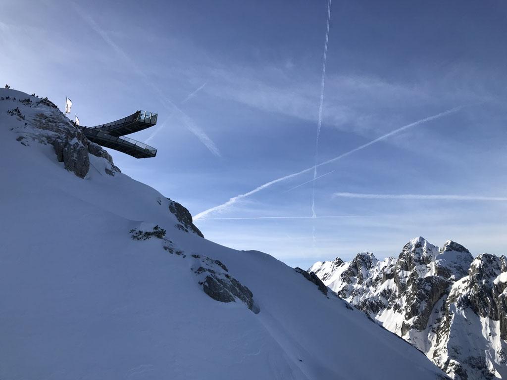 Vanuit de kabelbaan zien we de AlpspiX al liggen.